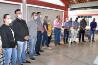 Vereadores participam da entrega de kit's alimentação